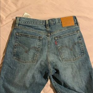 Levi's straight leg wedgie jeans  size 27